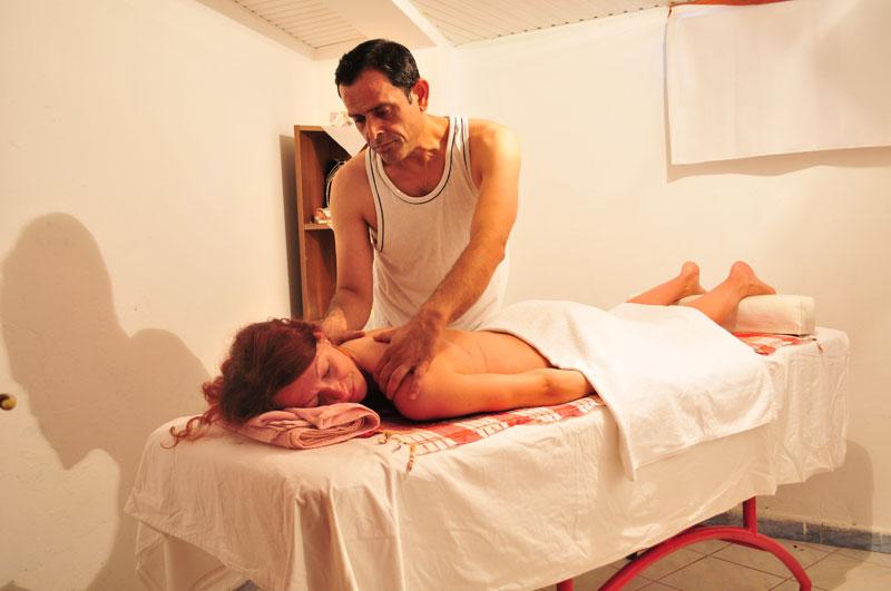 oteli-turtsii-s-eroticheskim-massazhem