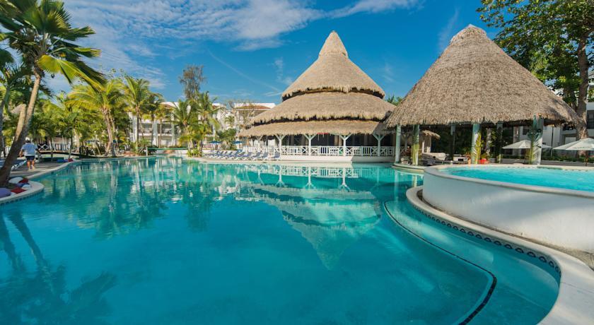 Бока Чика, Доминикана — курортный городок, расположенный на побережье Карибского моря.